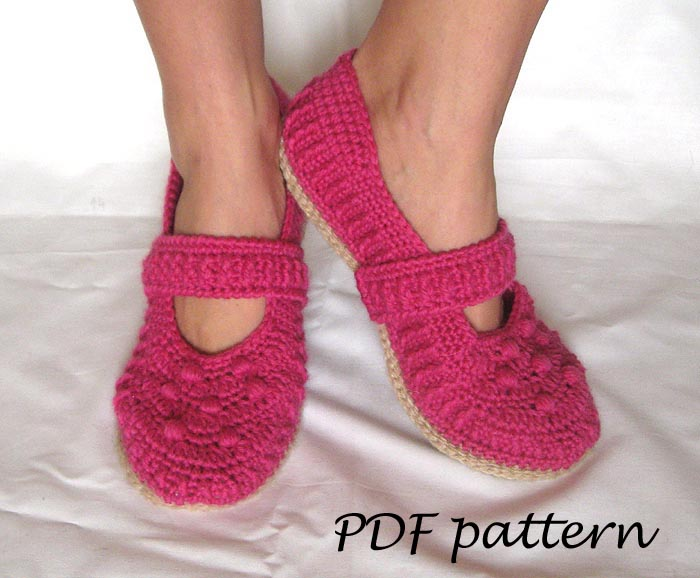 PDF Crochet Pattern - Lilly Mary Jane Slippers - P0037 on Luulla